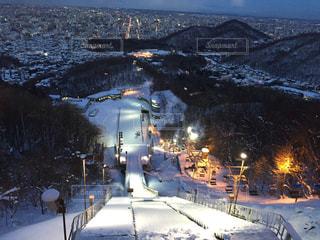 雪の覆われた道観の写真・画像素材[904054]