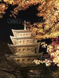 クロック タワーは夜ライトアップの写真・画像素材[906214]