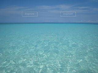 キラキラ光る海面の写真・画像素材[919534]