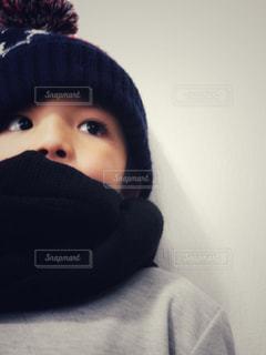帽子をかぶった小さな男の子 - No.893103