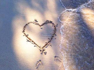A heart on the beachの写真・画像素材[1112151]