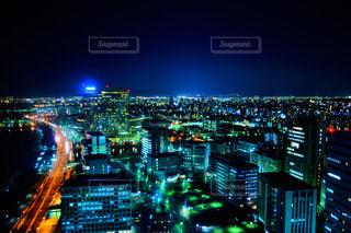 夜の街の景色 - No.851297