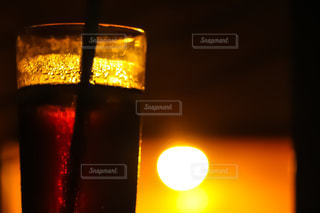 夕日とアイス珈琲の写真・画像素材[1269090]