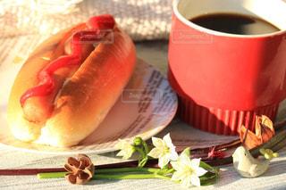 食べ物,コーヒー,COFFEE,ランチ,珈琲,ホットドッグ,お昼,軽食,食べもの,昼ごはん,食物