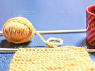 コタツで編み物の写真・画像素材[1745575]