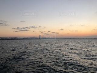 沈む夕日の写真・画像素材[968111]