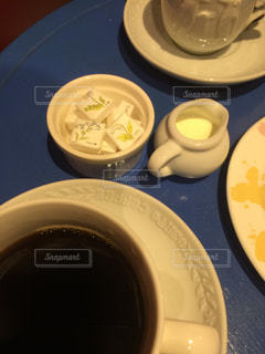 食品とコーヒーのカップのプレート - No.930423