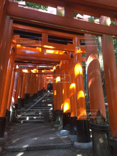 大きなオレンジ色の建物の写真・画像素材[1035217]