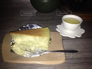 テーブルの上のコーヒー カップ - No.877120