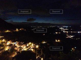 夜の街の景色 - No.925008