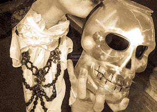 Kiss the skullの写真・画像素材[839749]