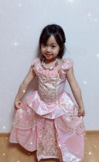 ピンクのドレスの美女の写真・画像素材[872237]