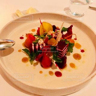 シンガポール、マリーナ・ベイ・サンズのレストランにて - No.871805