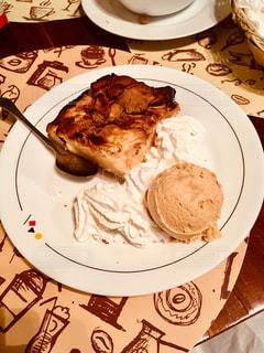 ケーキ,ディナー,デザート,アップルパイ,アイスランド,レイキャビク