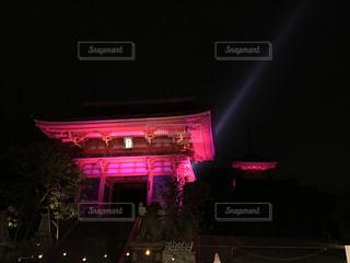 夜ライトアップ サインの写真・画像素材[850359]