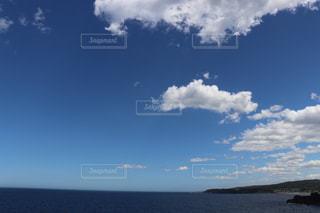 空と海の境界線の写真・画像素材[1401603]