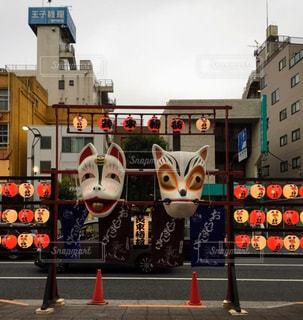 狐の行列の写真・画像素材[964949]