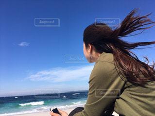 アウトドア,海,空,ロングヘア,屋外,海外,ビーチ,雲,青空,青,波,海岸,観光,旅行,風,オーストラリア,シドニー,白浜,小旅行,カーキ色