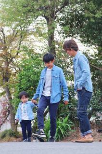 仲良し親子コーデの写真・画像素材[1121428]