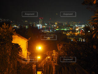 夜の街の景色の写真・画像素材[1194816]