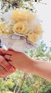 花嫁の白ブーケの写真・画像素材[908881]