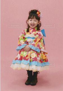 ピンクのドレスの少女 - No.863581
