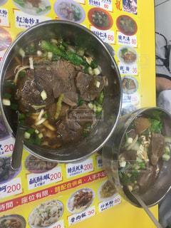 台湾,夜市,台北,士林夜市,牛肉麺,大頭龍