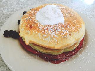 パンケーキ,ホットケーキ,グアム,ラズベリー,ピスタチオ,The Kracked Egg,ザクラックドエッグ