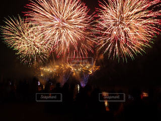 空に花火の写真・画像素材[1314035]
