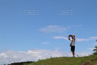 家族,空,芝生,屋外,雲,青空,散歩,観光地,山,草,レジャー,ハイキング,お散歩,ライフスタイル,昔,岡山県,晴れの日,鬼ノ城