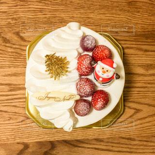 テーブルの上のケーキの写真・画像素材[1081993]