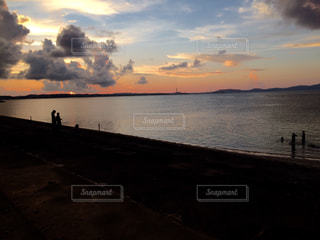 静かな沖縄の海岸の写真・画像素材[897393]