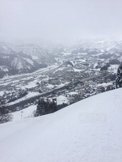 雪の覆われた山々 の景色 - No.928881