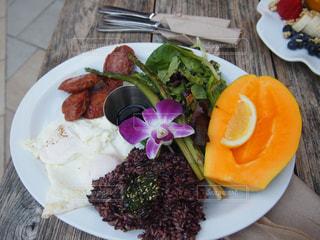 食べ物,食事,朝食,アメリカ,テーブル,ハワイ,オーガニック,ワイキキ,マグロ,玄米,アイランドヴィンテージ,ポケボウル,ブラウンライス