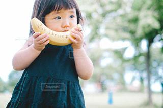 子ども,食べ物,屋外,人,赤ちゃん,メッセージ,幼児,バナナ