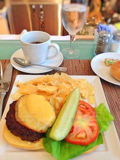 食べ物,ニューヨーク,ハンバーガー,アメリカ,NY,メトロポリタン美術館,ペトリコートカフェ