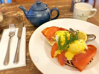 食べ物,カフェ,イギリス,ロンドン,サーモン,エッグベネディクト,ナチュラルキッチン