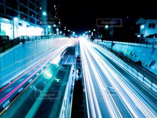 夜、トラックの鉄道の写真・画像素材[915483]