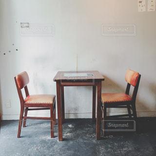 ダイニングルームのテーブルの写真・画像素材[2878882]