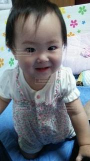 女の子の赤ちゃんの写真・画像素材[886838]