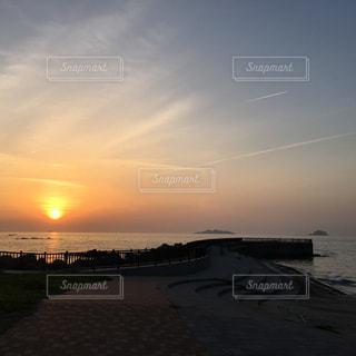 自然,海,夕日,海岸,飛行機雲,夕陽,軍艦島,長崎,海水浴場,眺め