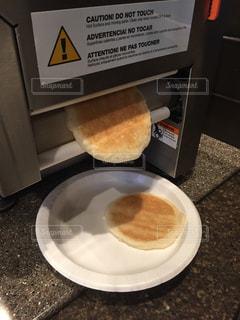 自動パンケーキ焼き機の写真・画像素材[874950]