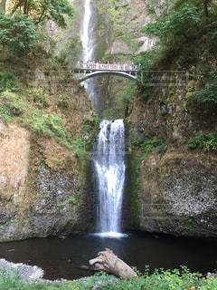 大きな滝の写真・画像素材[1459729]