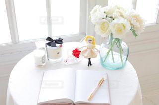 女性,インテリア,花,女の子,白い花,薔薇,オシャレ,可愛い,明るい,女子力,華やか,マスコット,飾り,上品,アーティフィシャルフラワー,女子部屋,インテリアフラワー,ルルベちゃん,夢ノート