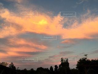 茜色の空の写真・画像素材[955879]