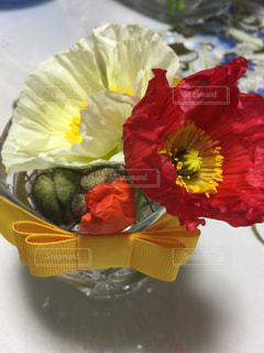 花,赤,白,花瓶,黄色,プレゼント,つぼみ,リボン,ポピー,蕾,りぼん,黄色いリボン
