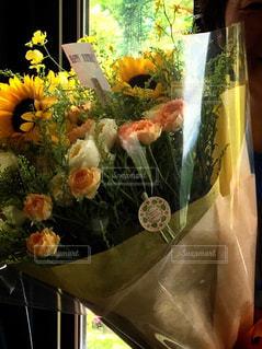 近くの花のアップの写真・画像素材[1370098]