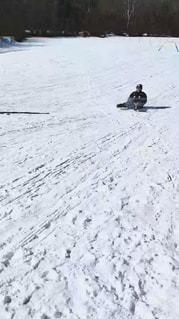 男性,冬,雪,屋外,寒い,60代,山梨,スキー場,斜面,シャトレーゼ,日中,休暇,そり,ホワイトカラー