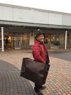 男性,男,袋,ショッピングセンター,買い物,60代,ショッピング,栃木県,佐野,アウトレット,夫,ショッピングバッグ