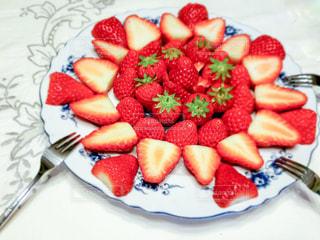 いちご,テーブル,フルーツ,お皿,イチゴ,フレッシュフルーツ
